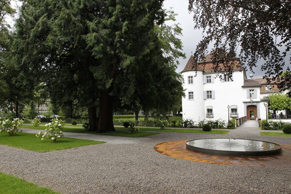 Schloss Bottmingen Brunnen